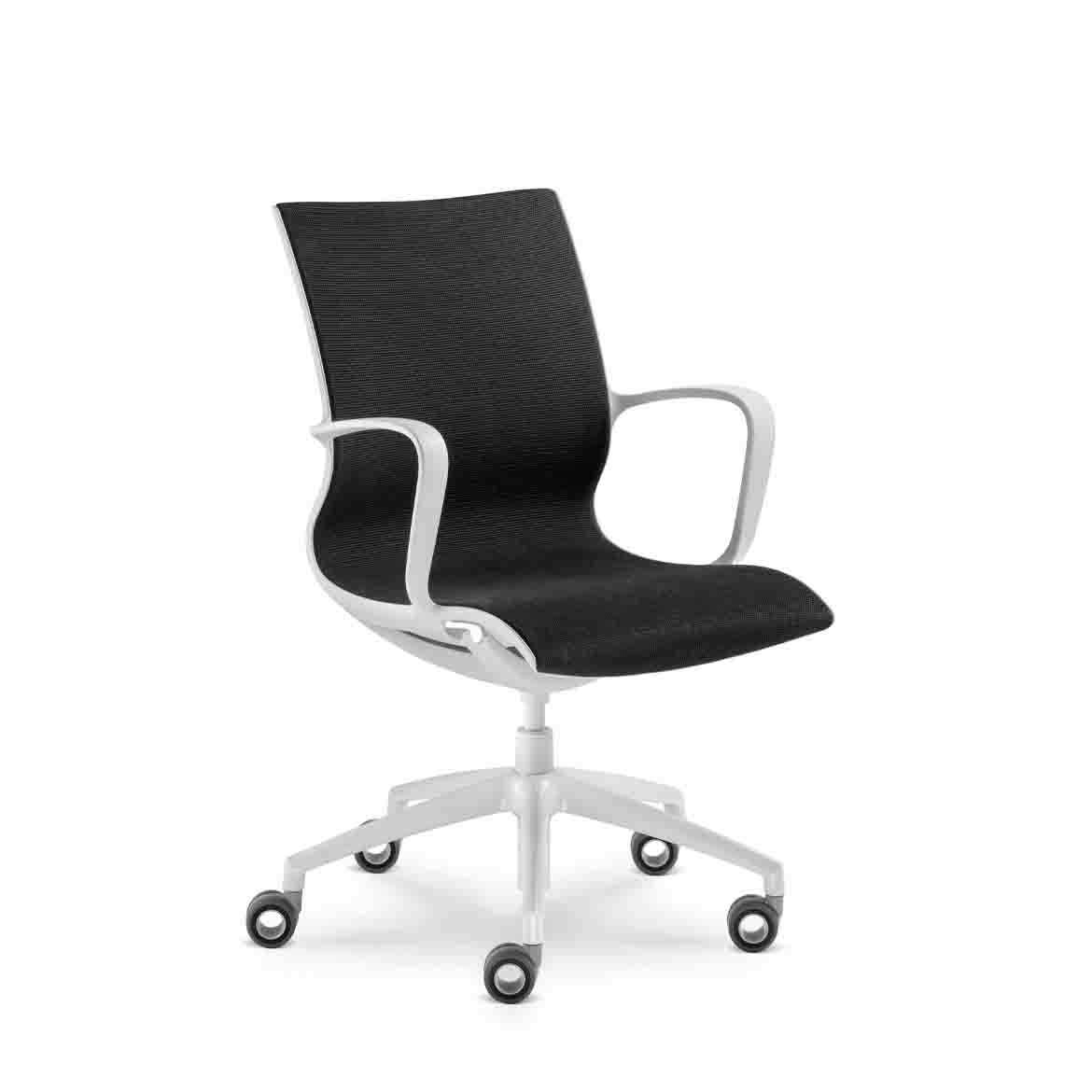 Height-adjustable office chair with arms, fully upholstered in self-supporting  mesh, light gray nylon frame, integrated rocking mechanism.